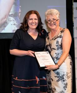 Dr Michelle Hannan receiving her Rural Registrar of the Year award